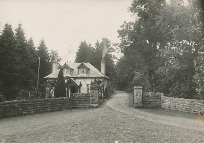 Entrance to Dirnanean.