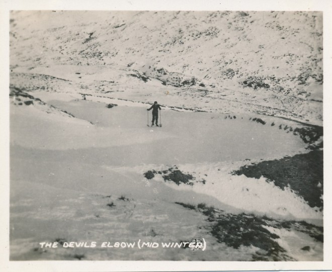 Skiing at the Devils Elbow