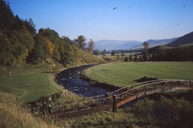 9 hole golf course on the estate