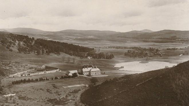 Straloch House and Loch